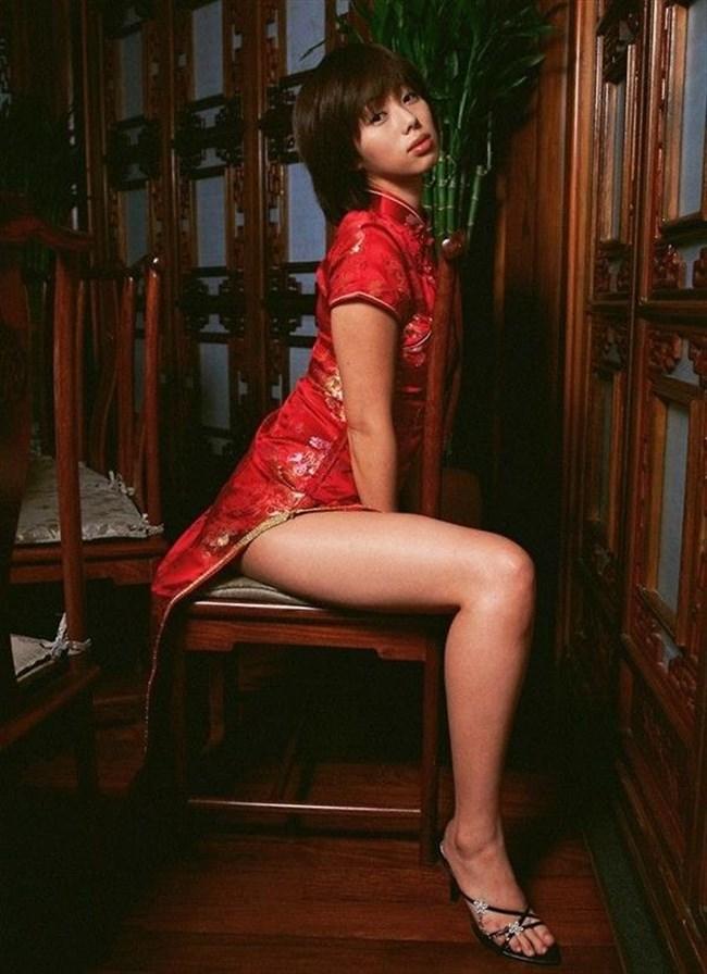 スリットから覗く美脚にぶっかけたくなるチャイナドレス姿のお姉さんwww0004shikogin