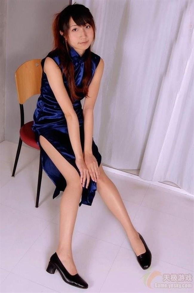 スリットから覗く美脚にぶっかけたくなるチャイナドレス姿のお姉さんwww0005shikogin