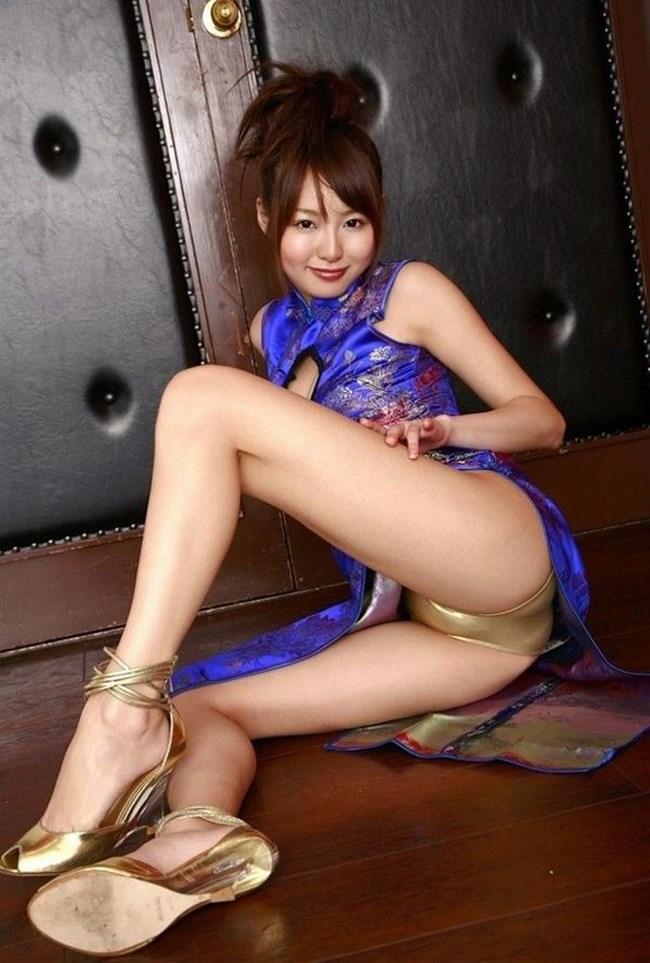 スリットから覗く美脚にぶっかけたくなるチャイナドレス姿のお姉さんwww0043shikogin