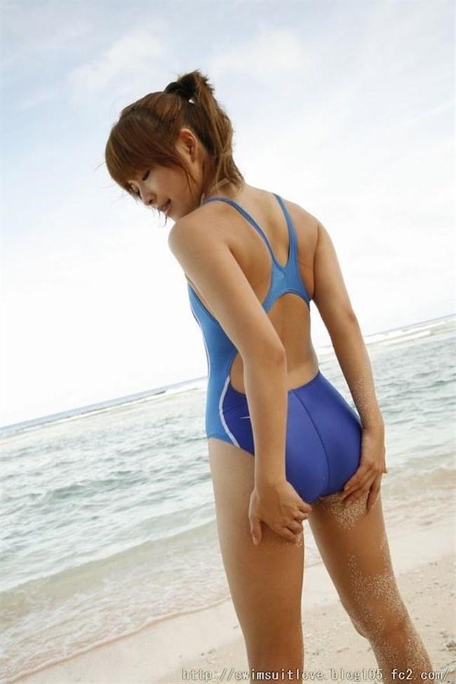 背中が大きく空いてる競泳水着がエロ過ぎてwwwww0011shikogin