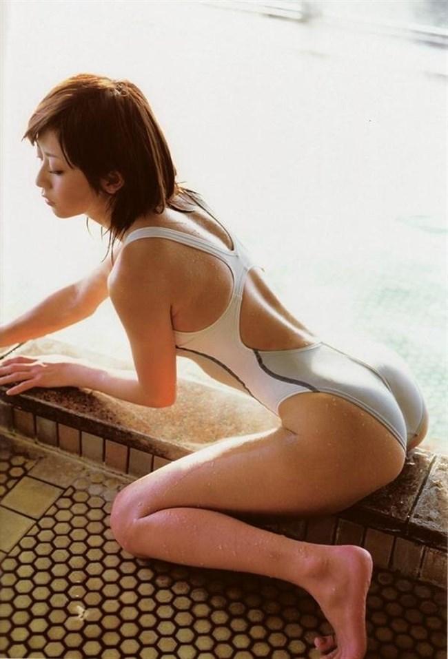 背中が大きく空いてる競泳水着がエロ過ぎてwwwww0018shikogin