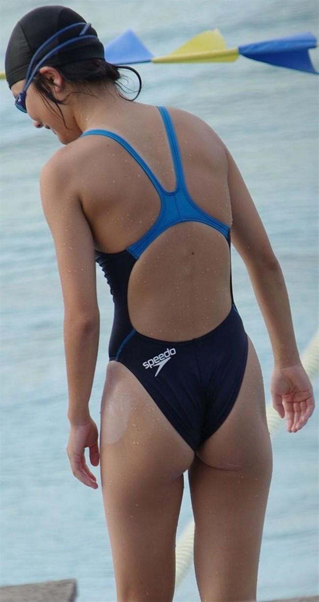 背中が大きく空いてる競泳水着がエロ過ぎてwwwww0026shikogin