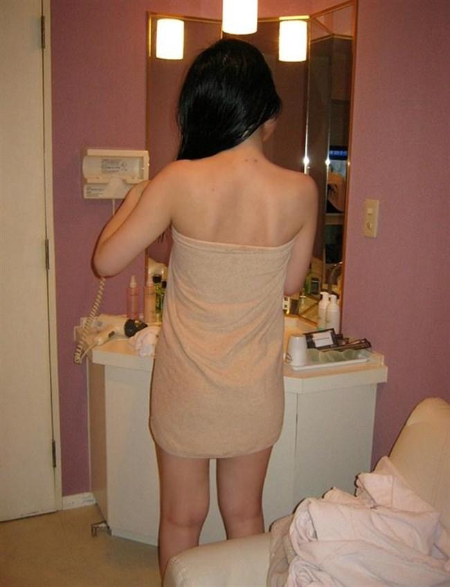 風呂あがりのバスタオル姿にムラムラして一回戦始めてしまいそうなエロ画像0033shikogin