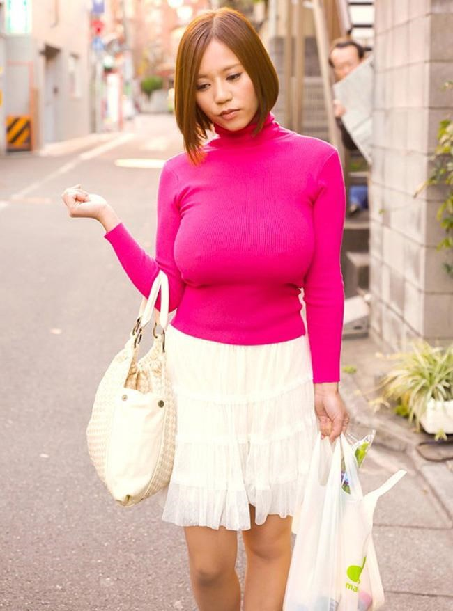 巨乳女子がニット服を着ると卑猥になり過ぎてwwwwww0007shikogin