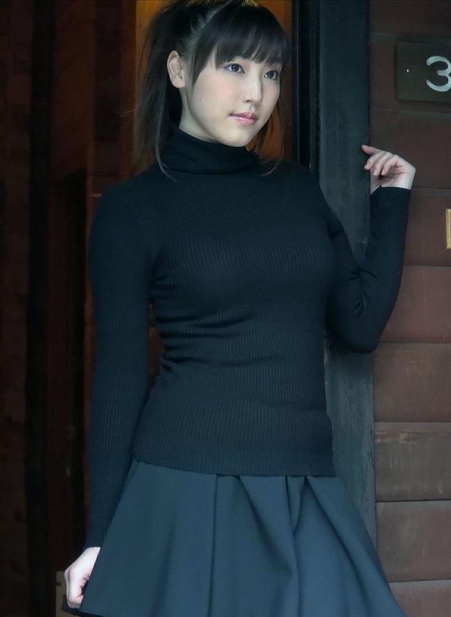巨乳女子がニット服を着ると卑猥になり過ぎてwwwwww0021shikogin