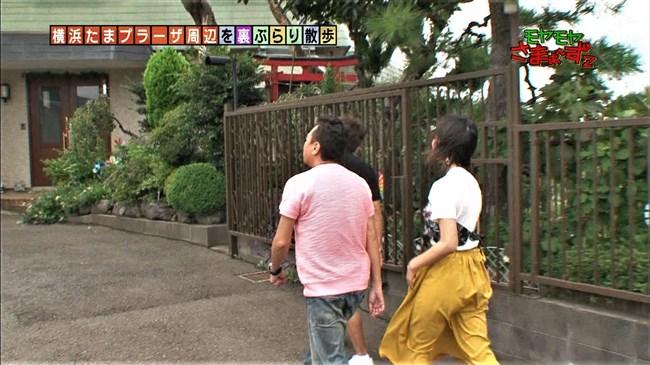 福田典子~モヤモヤさまぁ~ず2で薄手のスカート姿を強風が襲いヒップの形が鮮明に!0006shikogin
