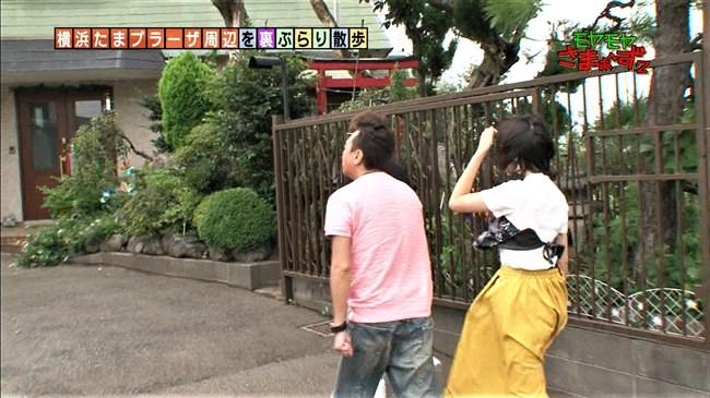 福田典子~モヤモヤさまぁ~ず2で薄手のスカート姿を強風が襲いヒップの形が鮮明に!0007shikogin