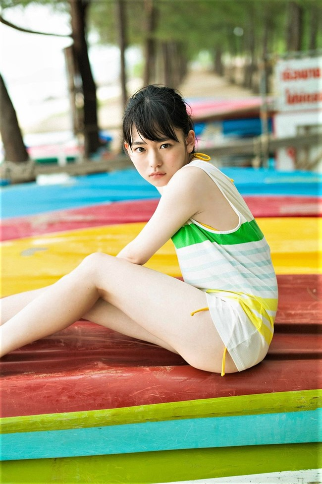 山田杏奈~若手新鋭女優がファースト写真集で水着姿を披露!その先行カットを!0004shikogin