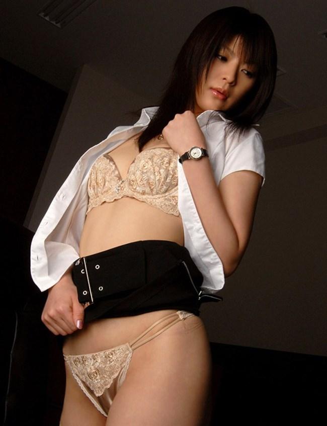 はだけた白いYシャツが性欲を掻き立てるエロ画像まとめwww0013shikogin