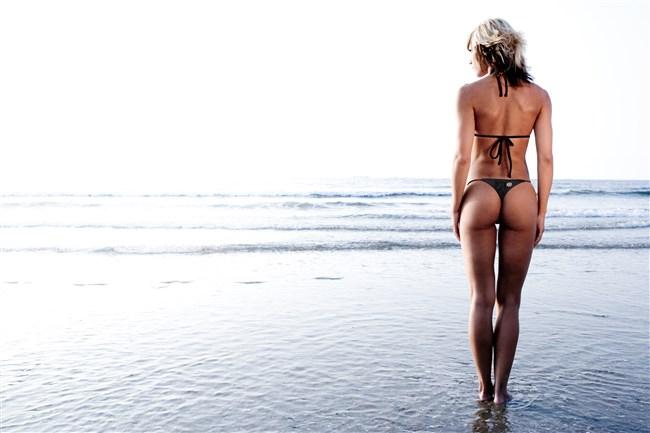 こんな外国人美女にビーチで遭遇したらガチでフル勃起確実wwwwwwww0022shikogin