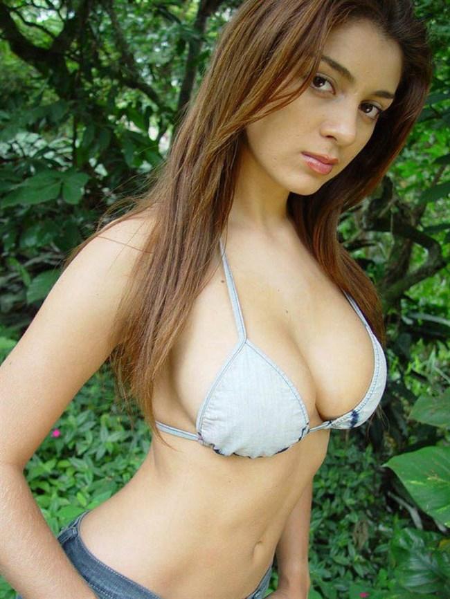 こんな外国人美女にビーチで遭遇したらガチでフル勃起確実wwwwwwww0004shikogin
