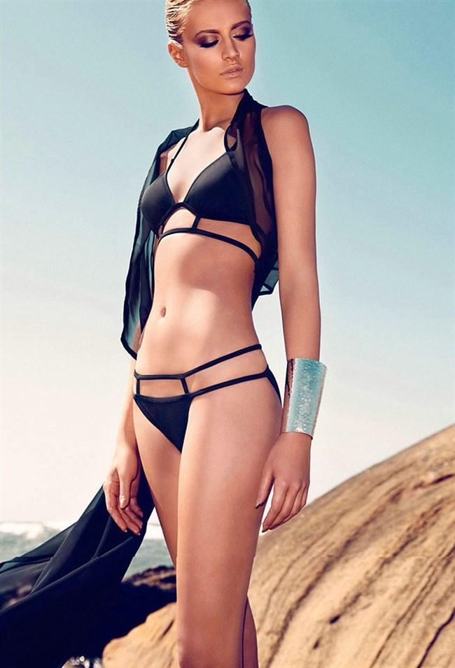 こんな外国人美女にビーチで遭遇したらガチでフル勃起確実wwwwwwww0017shikogin