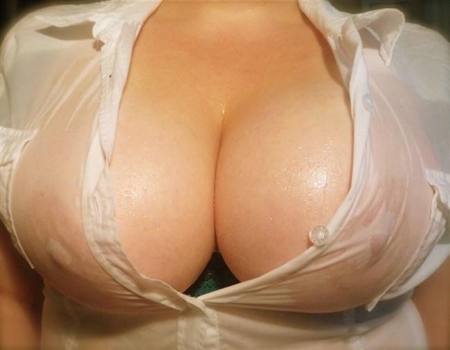 ノーブラで濡れたシャツ越しに見る透け乳首がエロ過ぎてwwwww0007shikogin