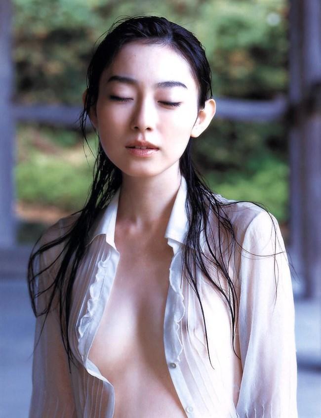 ノーブラで濡れたシャツ越しに見る透け乳首がエロ過ぎてwwwww0018shikogin