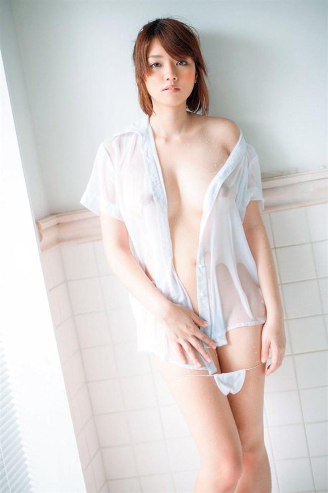 ノーブラで濡れたシャツ越しに見る透け乳首がエロ過ぎてwwwww0026shikogin