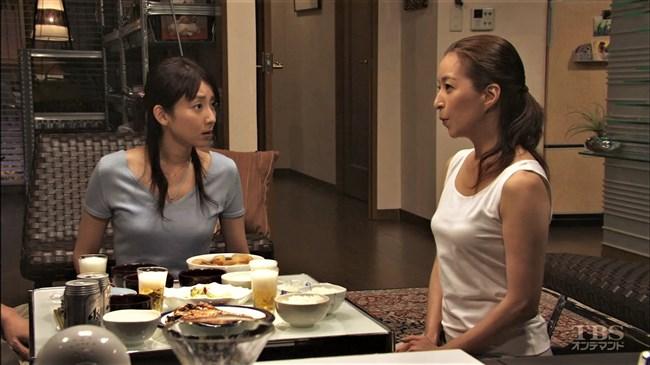 真矢ミキ~TBSドラマのバツ彼での巨乳な着衣オッパイと胸チラが最高に良かった!0005shikogin