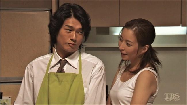 真矢ミキ~TBSドラマのバツ彼での巨乳な着衣オッパイと胸チラが最高に良かった!0006shikogin