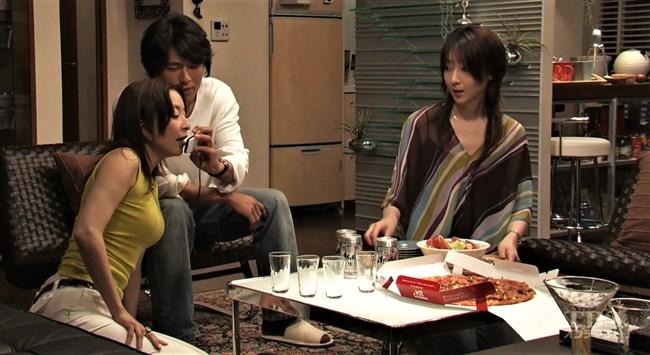 真矢ミキ~TBSドラマのバツ彼での巨乳な着衣オッパイと胸チラが最高に良かった!0010shikogin