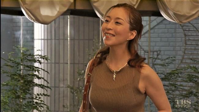 真矢ミキ~TBSドラマのバツ彼での巨乳な着衣オッパイと胸チラが最高に良かった!0014shikogin