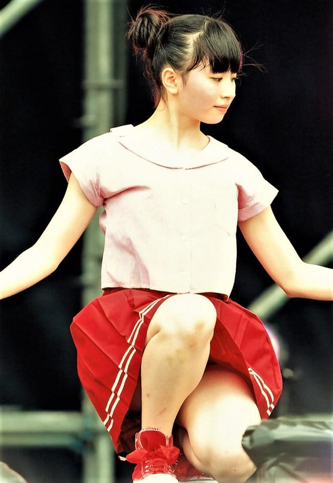 浅倉樹々[つばきファクトリー]~ステージでのパンチラしそうなミニスカ姿がエロ可愛くて最高!0005shikogin