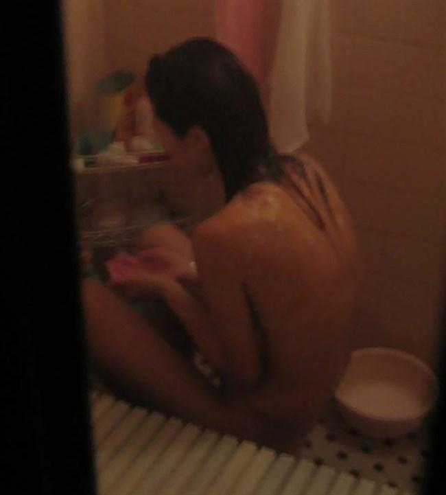 民家の風呂場を覗き見!無防備な女性を狙った盗撮画像まとめ0009shikogin