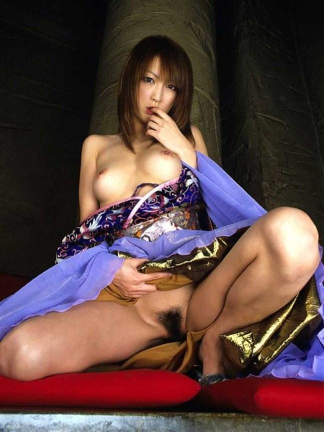 着物女性と性行為!はだけた着物が興奮度倍増なエロ画像wwwww0017shikogin