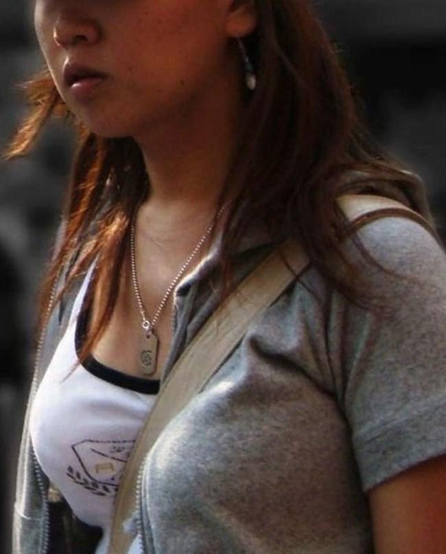 過激なパイスラで街を歩く一般の巨乳お姉さんwwwww0002shikogin