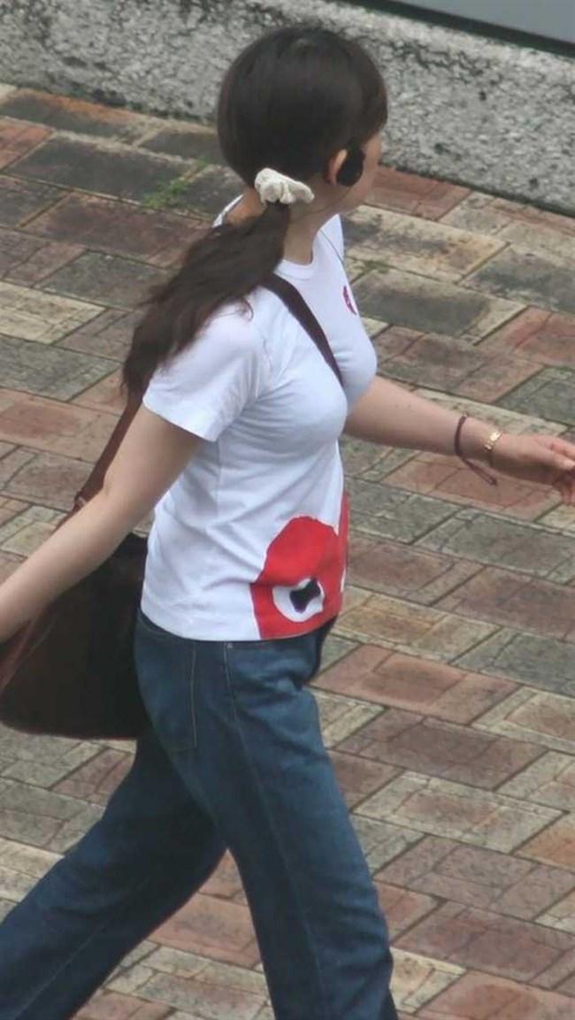 過激なパイスラで街を歩く一般の巨乳お姉さんwwwww0006shikogin