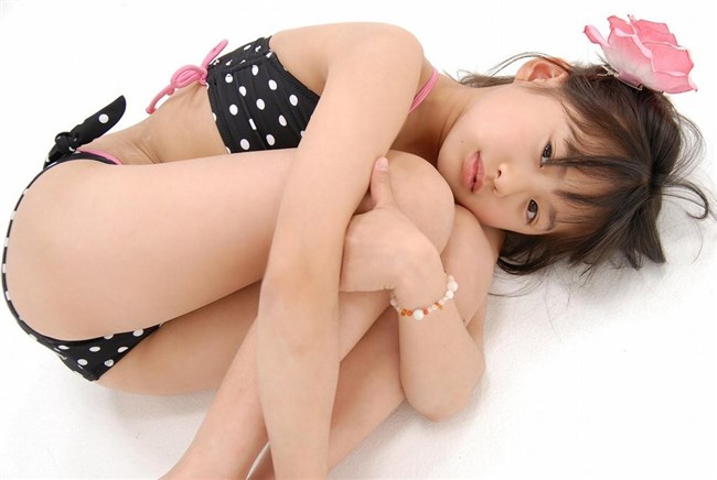 ジュ〇アアイドルの水着画像だが性的な目で見るなよwwwww0004shikogin