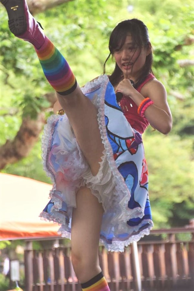 安藤咲桜[つりビット]~ステージ上でパイズリをしてしまう極エロパフォーマンスが凄い!0009shikogin