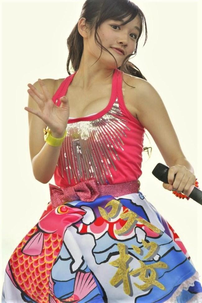 安藤咲桜[つりビット]~ステージ上でパイズリをしてしまう極エロパフォーマンスが凄い!0004shikogin