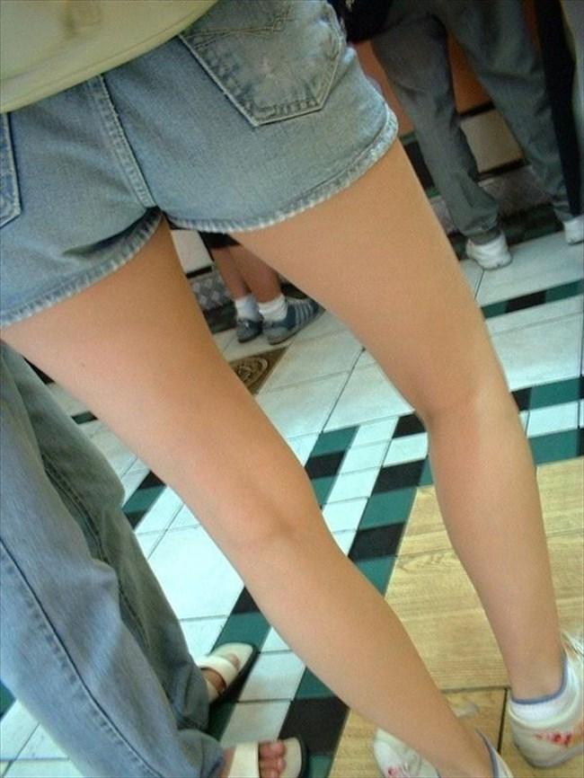 街行く一般人女子の生足が美味しそうな着衣エロ画像0013shikogin