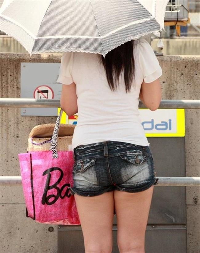 街行く一般人女子の生足が美味しそうな着衣エロ画像0016shikogin
