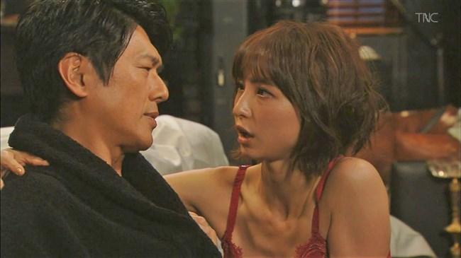 篠田麻里子~ドラマ後妻業での胸の谷間を見せたキャミ姿が超エロくて興奮!0003shikogin