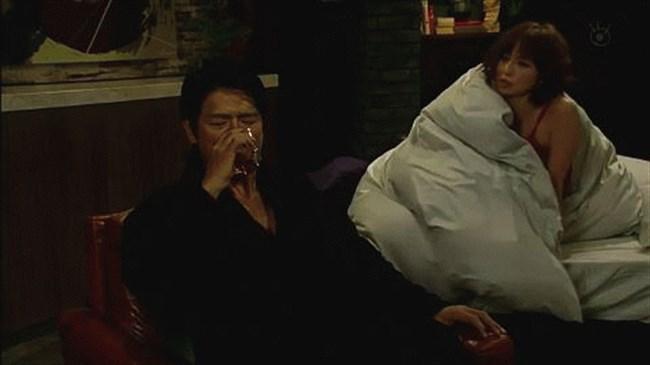 篠田麻里子~ドラマ後妻業での胸の谷間を見せたキャミ姿が超エロくて興奮!0006shikogin