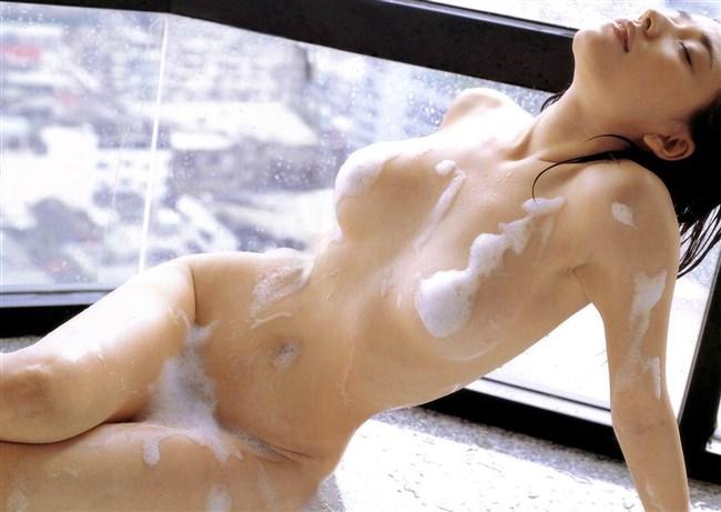 すぐさま襲いかかりたくなる…濡れる女体はエロスが倍増wwwww0008shikogin