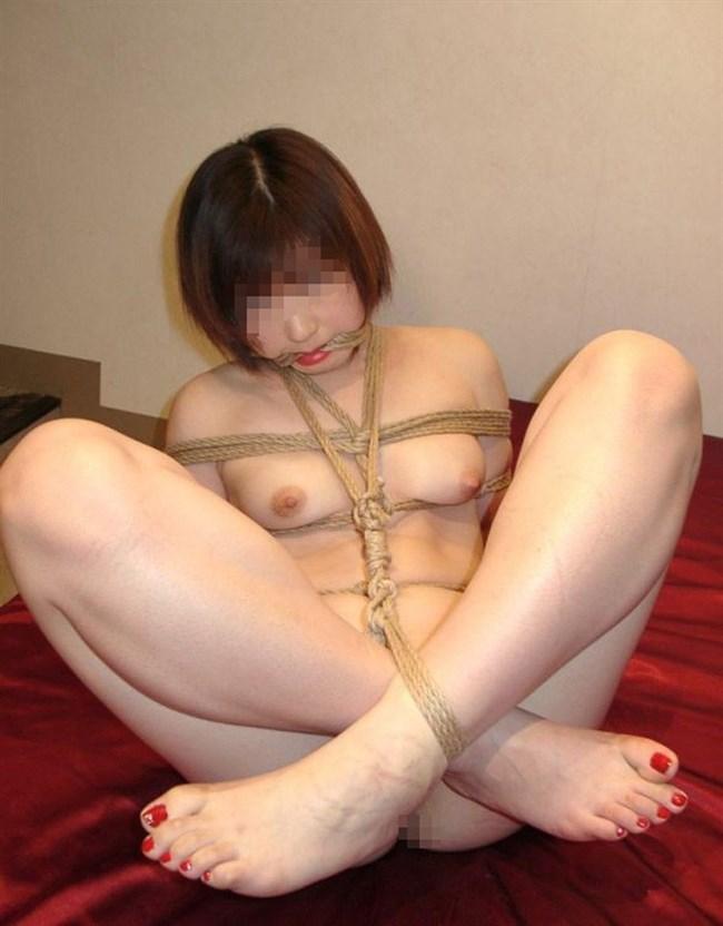 緊縛SMの虜で縄で縛られておま〇こぬらす変態女wwwwww0021shikogin
