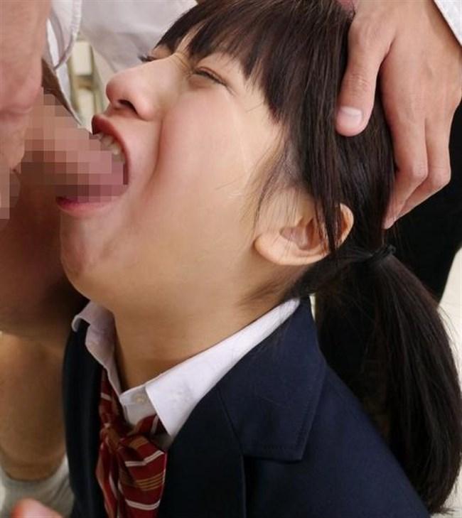 イラマチオにえずき汁垂らすお姉さんの表情がたまらないwwww0006shikogin