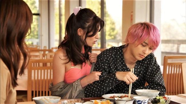 吉川愛~テレビドラマでブラとパンティー姿になったのがエロ可愛くて興奮!0003shikogin
