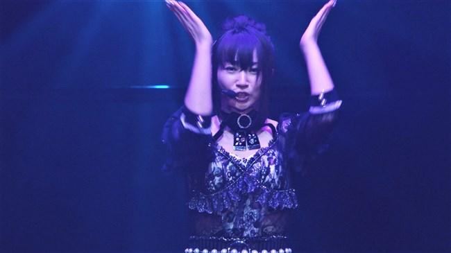水樹奈々~最近ライブのムチムチした腕とワキの下がエロ過ぎて今が絶好調!0010shikogin