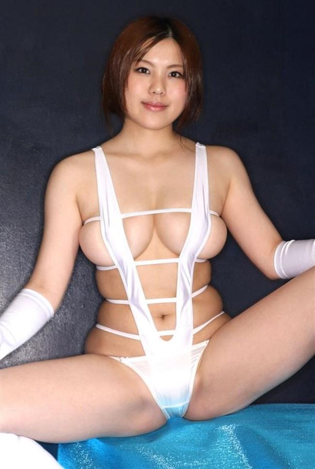 大胆にはみ出した乳房がえちえちな極小水着グラビアまとめwww0003shikogin