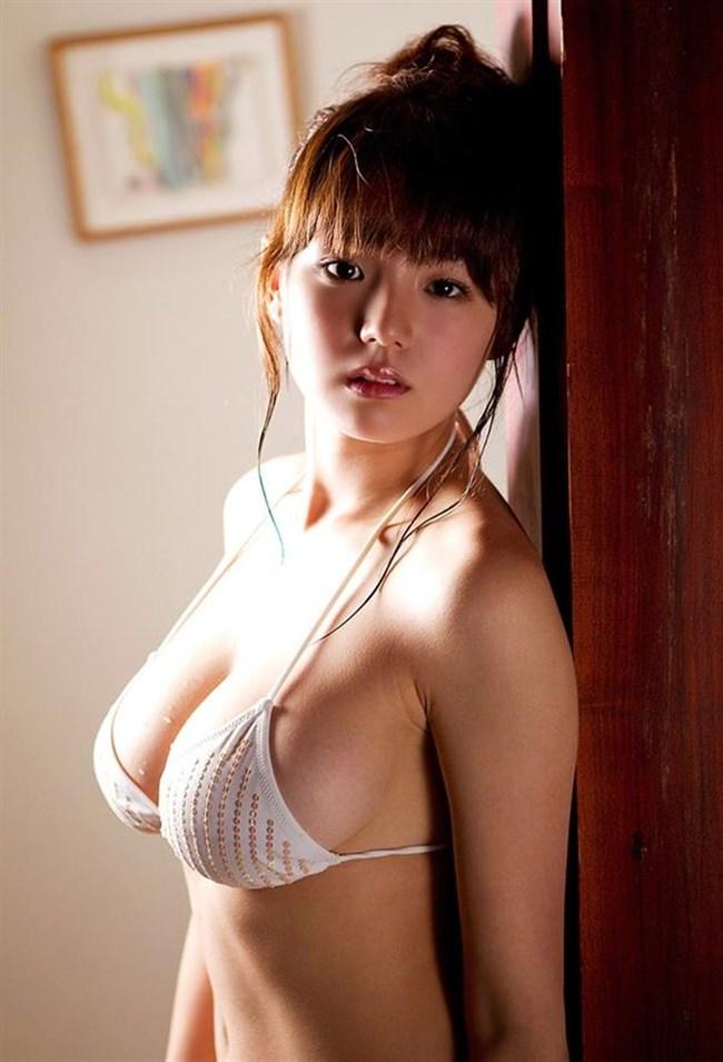 大胆にはみ出した乳房がえちえちな極小水着グラビアまとめwww0005shikogin