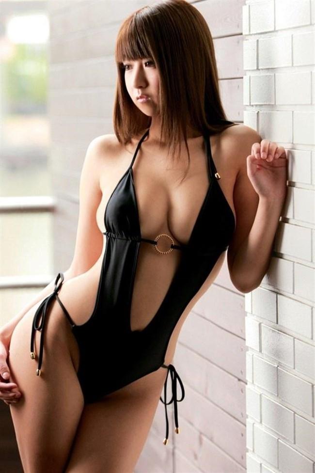 大胆にはみ出した乳房がえちえちな極小水着グラビアまとめwww0054shikogin