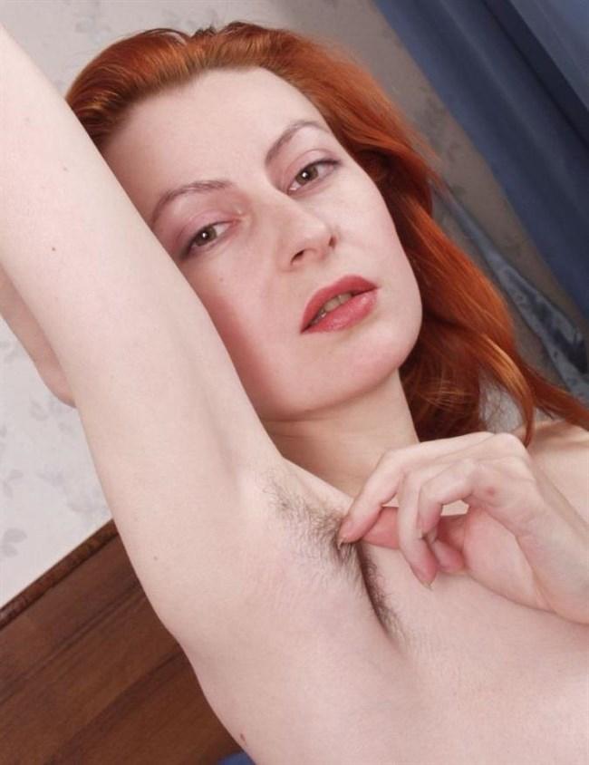 外国人女性がふっさふさに腋毛を生やすとこうなるwwwww0010shikogin
