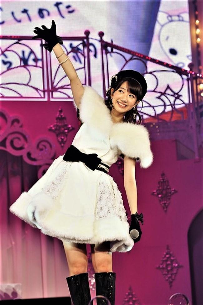 柏木由紀[AKB48]~全国ソロツアーでのショーパン姿のパンチラが超エロくてドキドキ!0004shikogin