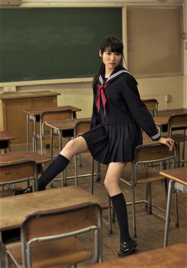 志田友美[夢みるアドレセンス]~週プレのグラビアは美脚でスタイル完璧の水着姿が完璧過ぎ!0011shikogin