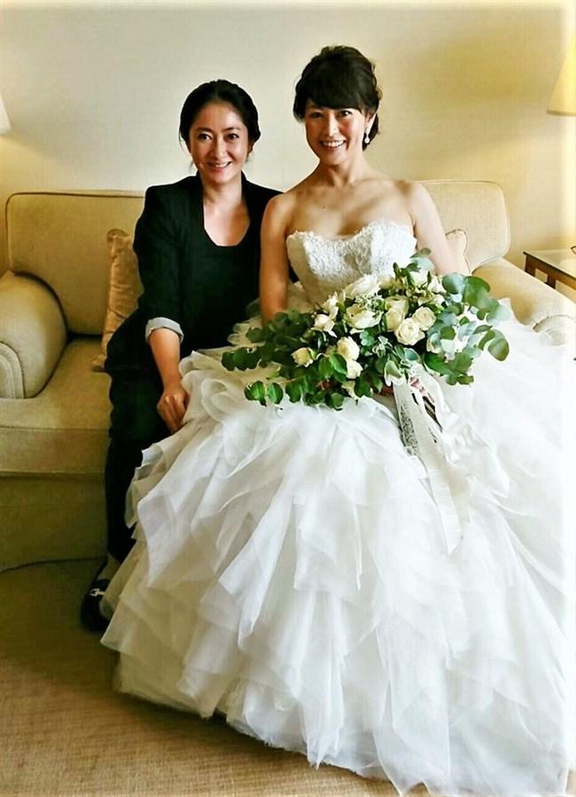 森麻季~再婚時のウェディングドレス姿がオッパイ強調で悩殺的過ぎます!0002shikogin