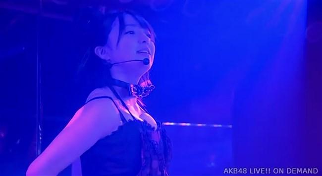 佐藤七海[AKB48]~チーム8の5周年特別公演でオッパイ上半分出した大胆衣装が凄過ぎ!0010shikogin