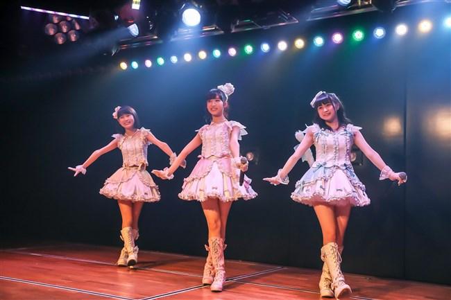 佐藤七海[AKB48]~チーム8の5周年特別公演でオッパイ上半分出した大胆衣装が凄過ぎ!0008shikogin