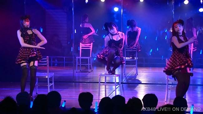 佐藤七海[AKB48]~チーム8の5周年特別公演でオッパイ上半分出した大胆衣装が凄過ぎ!0009shikogin